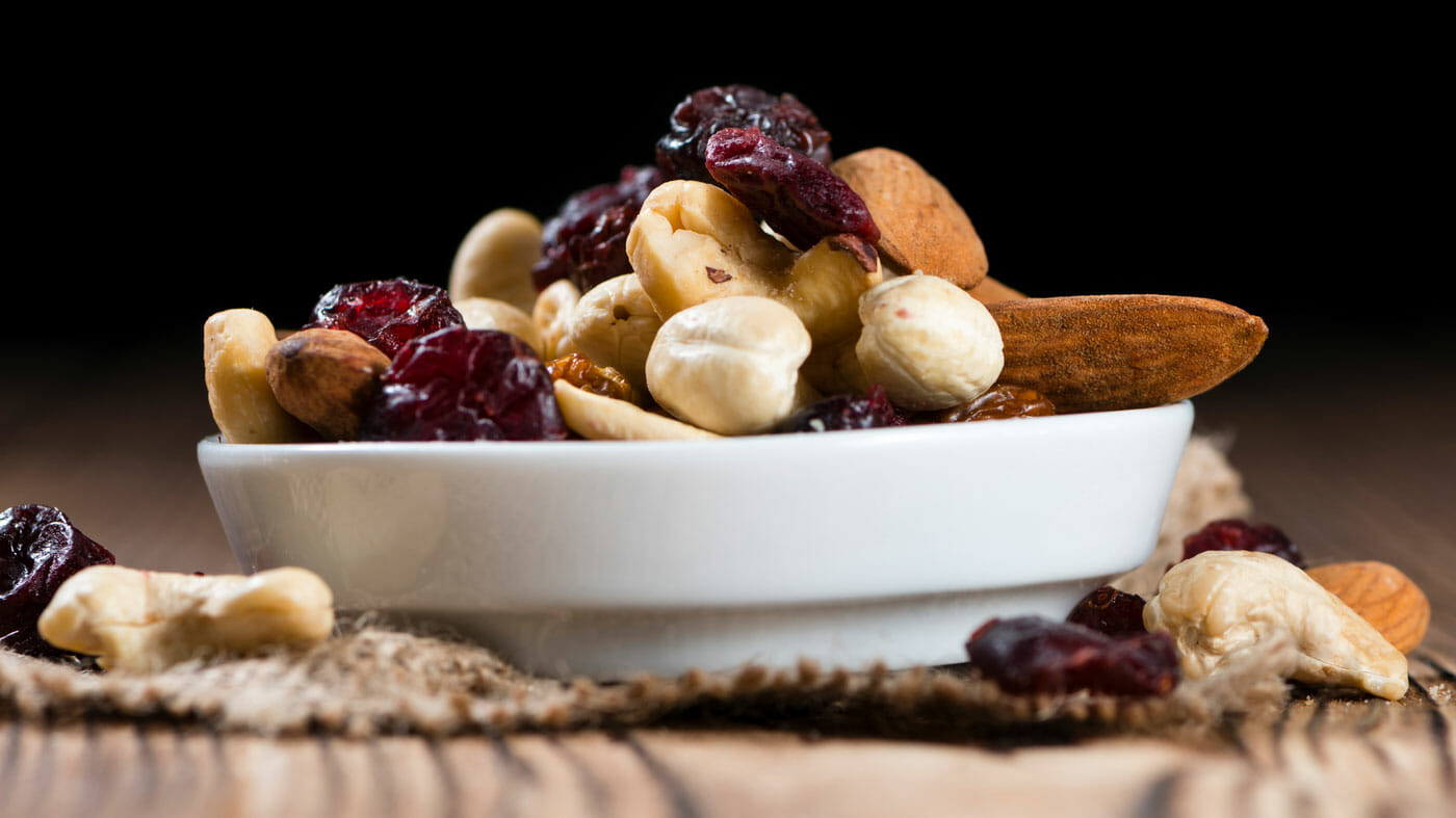 Eat Well Before and during Your Flight trail mix protein